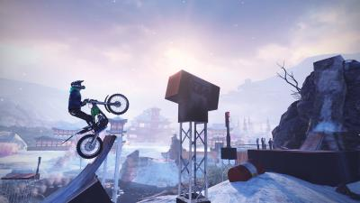 Trials Rising, la follia (e il divertimento) viaggia su due ruote